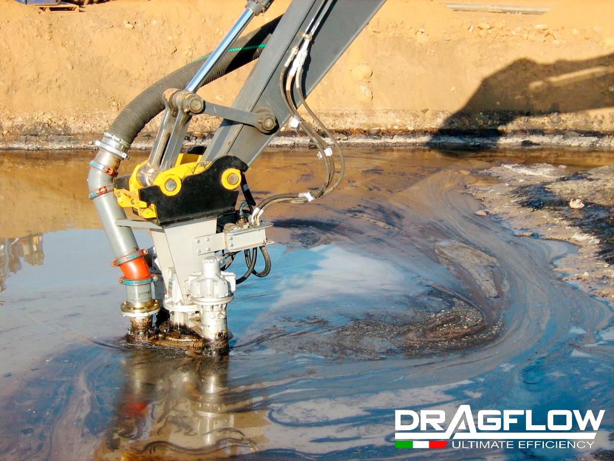 Шламовый грунтовый насос DRAGFLOW HY85B на стреле экскаватора