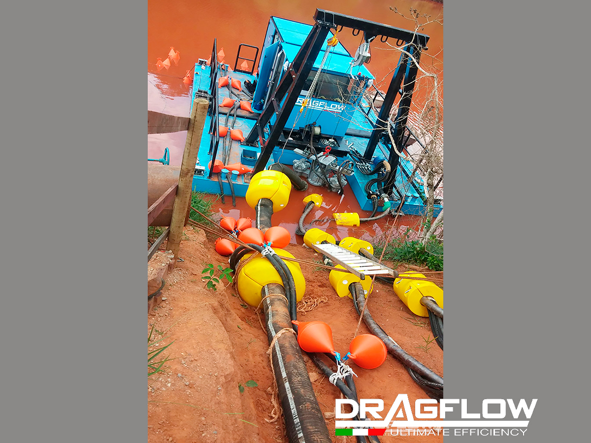 Земснаряд серии DRH c дноуглубительным шламовым грунтовым насосом HY85/180HC+ 2EXHY20