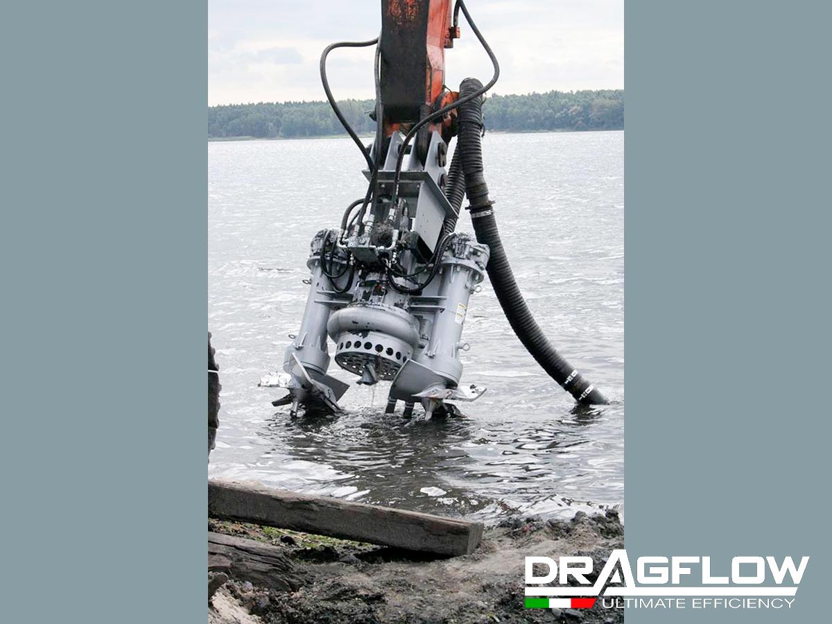 Дноуглубительный грунтовый насос DRAGFLOW HY85B c рыхлителями EXHY20 на стреле экскаватора